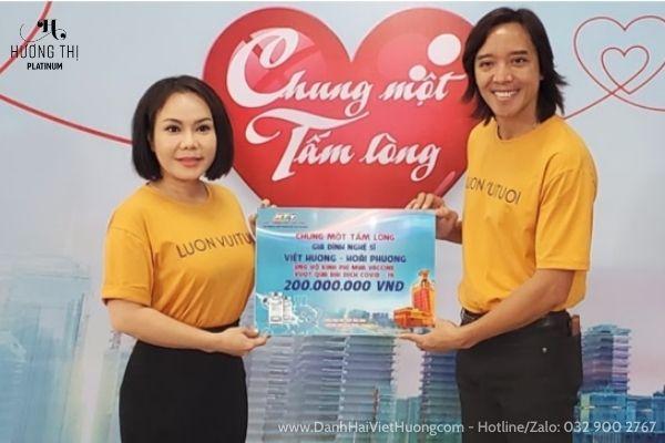 Việt Hương là một trong những nghệ sĩ tích cực trong các hoạt động từ thiện